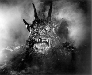 night-of-the-demon-1957-001-demon-00m-fal
